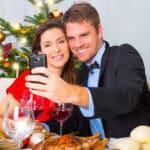 Wie viel Flirten auf der Weihnachtsfeier ist erlaubt?