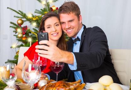 Flirten auf der Weihnachtsfeier