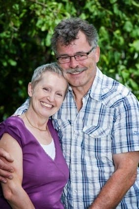 Best Ager Paar im Garten