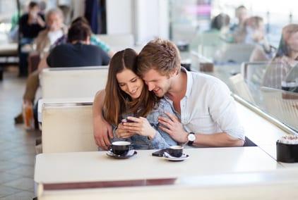 Online flirten: Dos und Dont's für das Dating im Internet