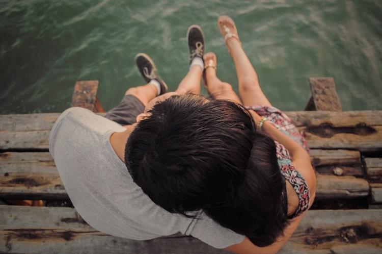 Welche Faktoren spielen für eine glückliche Beziehung eine besondere Rolle?